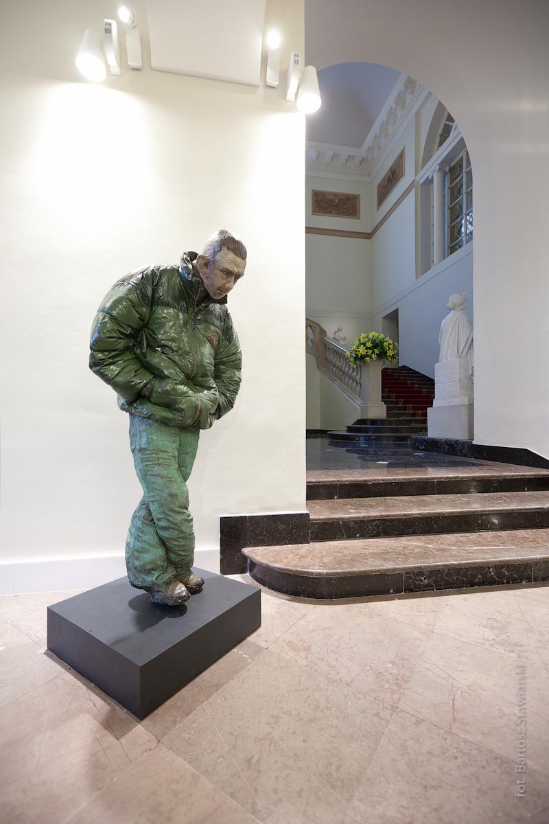 """Rzeźba Pawła Althamera """"Guma"""" z 2008 r. na wystawie w Pałacu Prezydenckim (fot. B. Stawiarski)"""