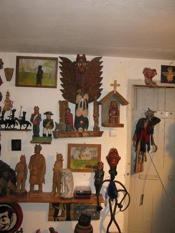 """Muzeum Diabła Polskiego """"Przedpiekle"""", Warszawa, właściciel Wiktoryn Grąbczewski, fot. M. Jaszczołt, 2012"""